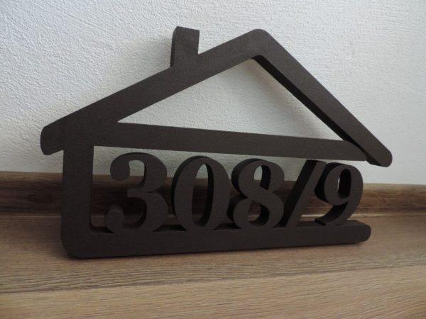 súpisné číslo na dom v tvare domčeka - 5 číslic - farba palysander