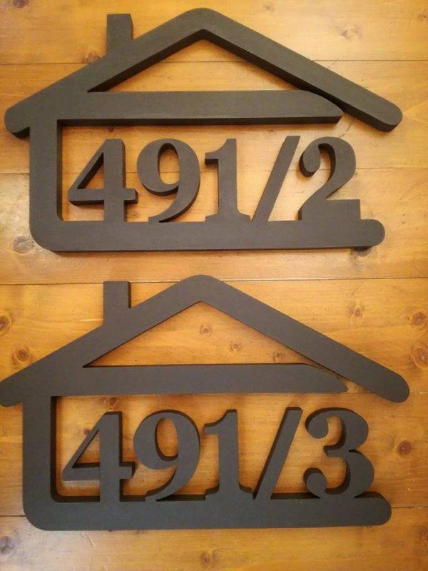 súpisné číslo na dom v tvare domčeka - 5 číslic - čoko hnedá