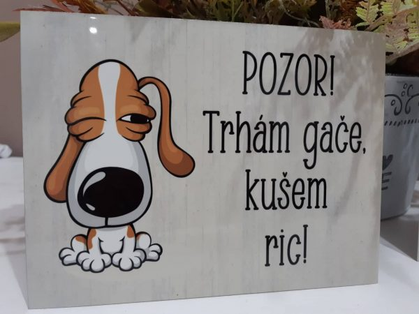 tabulka pozor pes