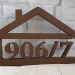súpisné číslo na dom v tvare domčeka - 5 číslic - farba hnedá