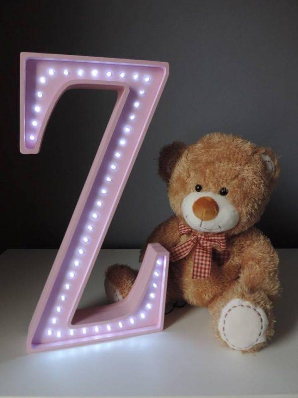 LED lampa v tvare písmena Z, farba ružová