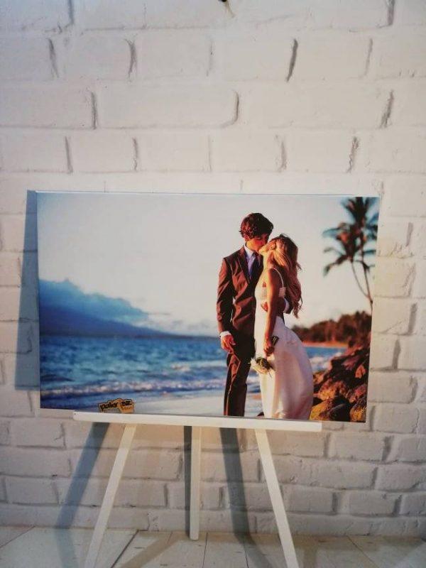 fotka na plátne mladomanželia bozk farebne