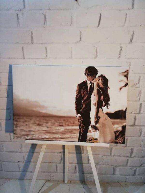 fotka na plátne mladomanželia bozk sépia