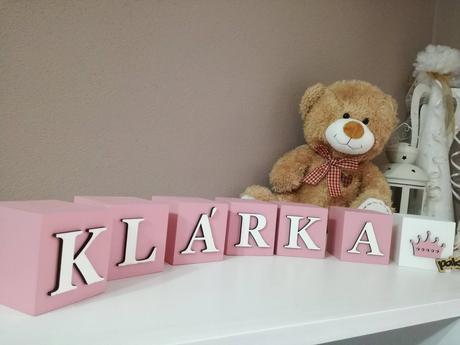 kocky s menom dieťaťa bledo ružová