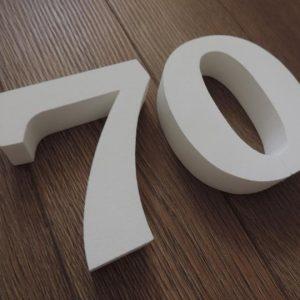 súpisné číslo na dom ITC Bookman demi, farba biela