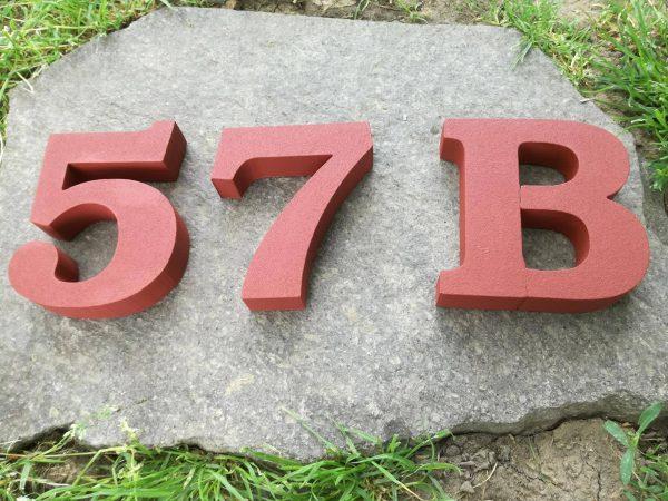 súpisné číslo na dom ITC Bookman demi, farba tehlová