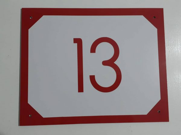 číslo na dom na tabuľke farba červená retro