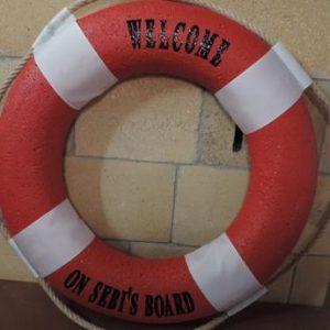 námornícke koleso červené