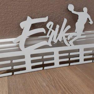 Vešiak na medaile Basketbalista Biely Erik
