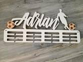 Vešiak na medaily pre športovcov futbal biela farba Adrian