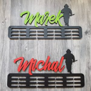 Vešiak na medaile Hasič Sivá Zelená Marek Čierna Červená Michal