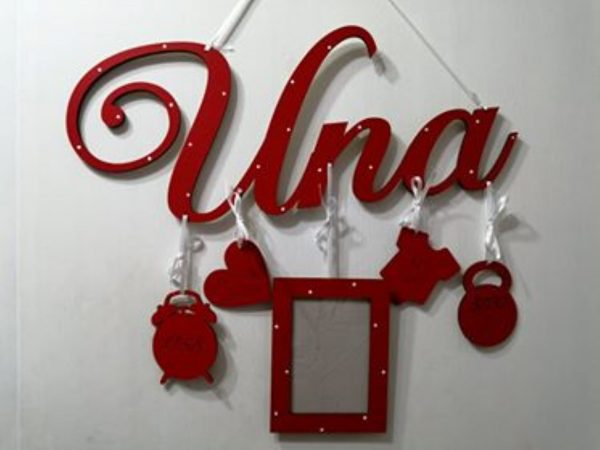 Detské meno s údajmi o narodení Una, červená