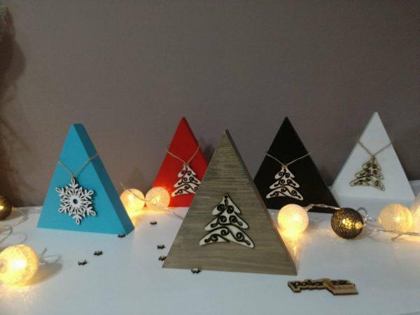 Dekorácie s vianočnou ozdobou