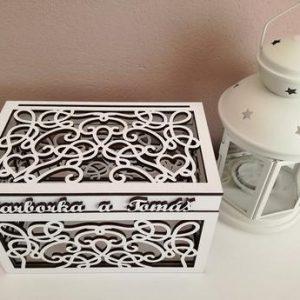 Ozdobná krabica s menami, farba biela